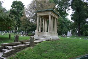 Farrar Family Grave Site at Bellefontaine Cemetery