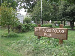 South St. Louis Square Park Sign